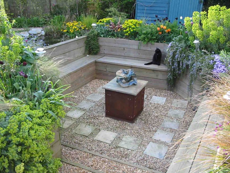 Garden Design by Anna McArthur, Cambridgeshire's award winning garden designer, showing a sunken garden with a pond