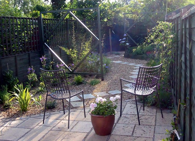 Garden design cambridgeshire anna mcarthur for Garden design for narrow gardens